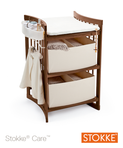 Stokke-Care-hoitopoyta-6703-Walnut-brown-3.png